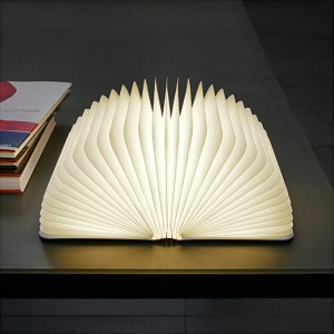 105016_F2_Lumio_Book_Lamp