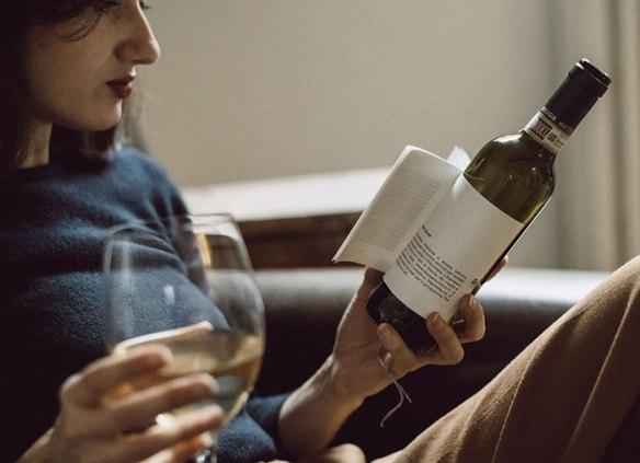 Librottiglia-une-bouteille-de-vin-incluant-un-livre-1